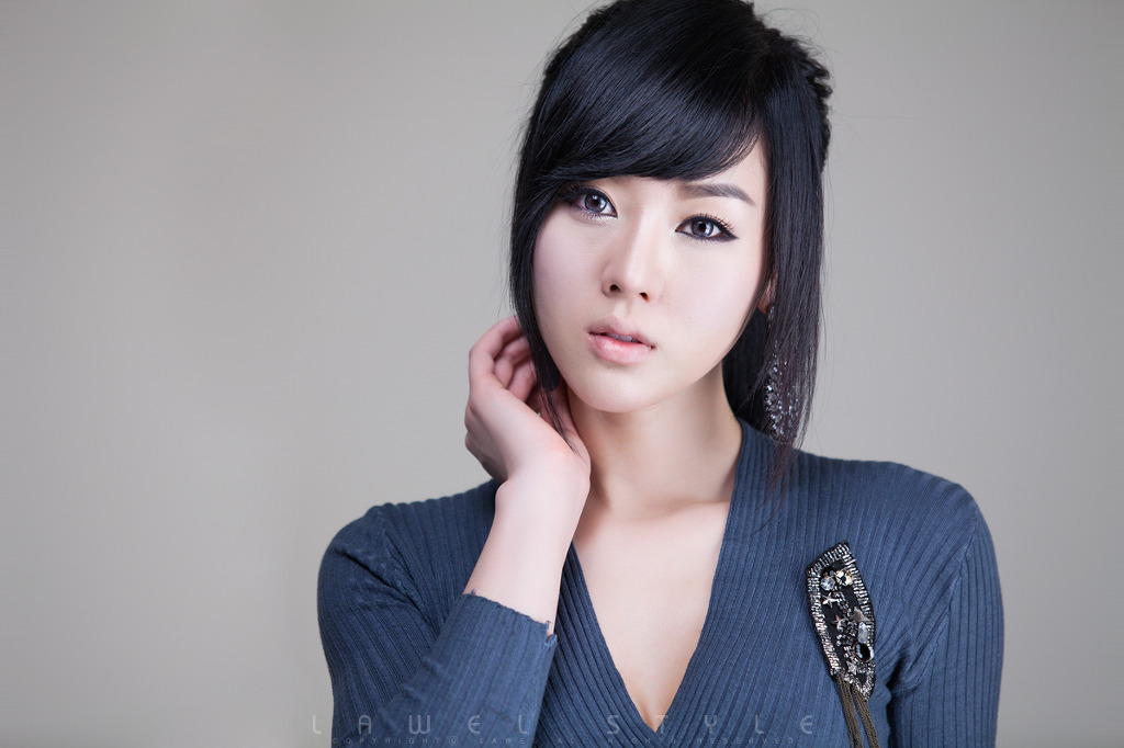 Xxx nude girls: Casual Hwang Mi Hee