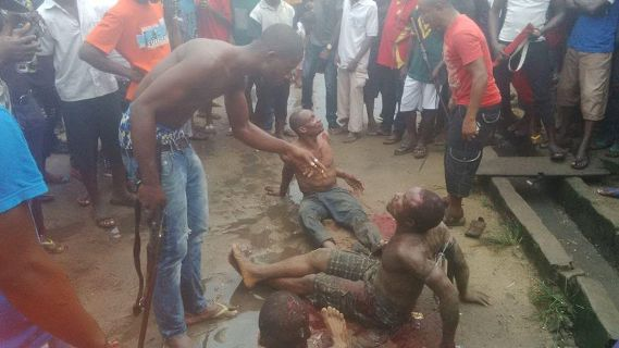 Photos: Alleged thieves brutally beaten by angry mob in Aba