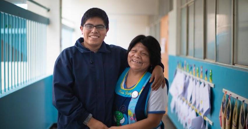 LUZ TORRES TASAYCO: La docente apasionada por sus alumnos y madre de un talento [VIDEO]