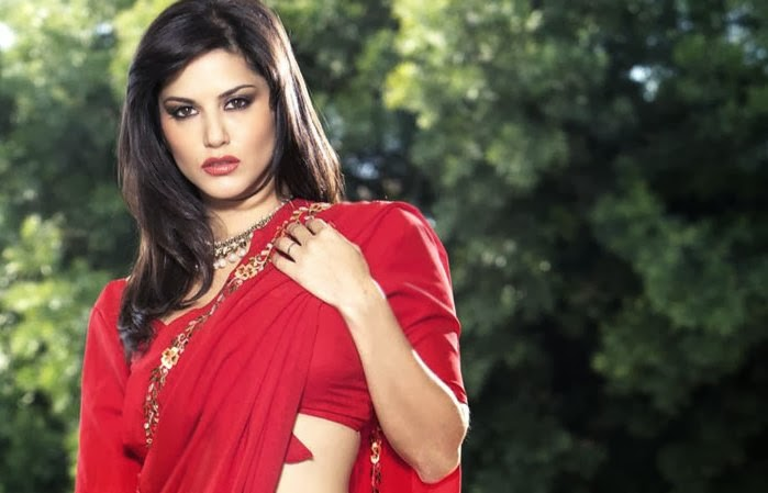Sunny Leone Red Saree Wallpaper