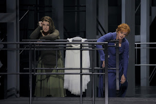Wagner: Tristan und Isolde - Bayreuth Festival 2017 - Christa Mayer, Petra Lang (Photo Bayreuther Festspiele/Enrico Narwath)