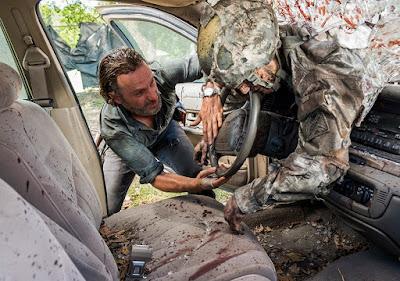 Rick Grimes (Andrew Lincoln) nell'episodio 12