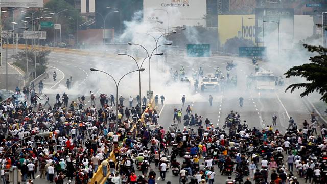 Países latinoamericanos condenan enérgicamente violencia desencadenada en Venezuela (COMUNICADO)