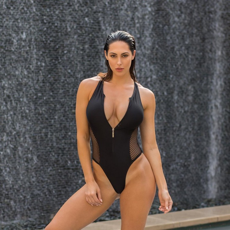 Fitness model Hope Beel has one of the most incredible Instagram