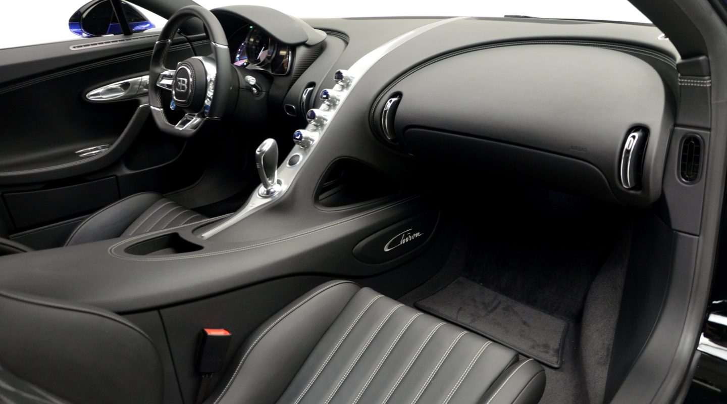 black and blue bugatti chiron lands in the u s carscoops. Black Bedroom Furniture Sets. Home Design Ideas