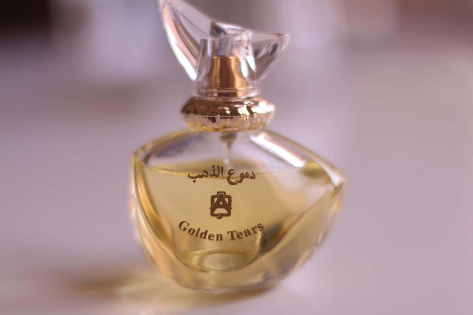 baffb1465 دموع الذهب في رائحة مضافة للمسك الأساسي فيه لأنه عطر مو مثبت كما يباع  فيتداخل مع العطر الي انتي أصلا تبين تثبتينه