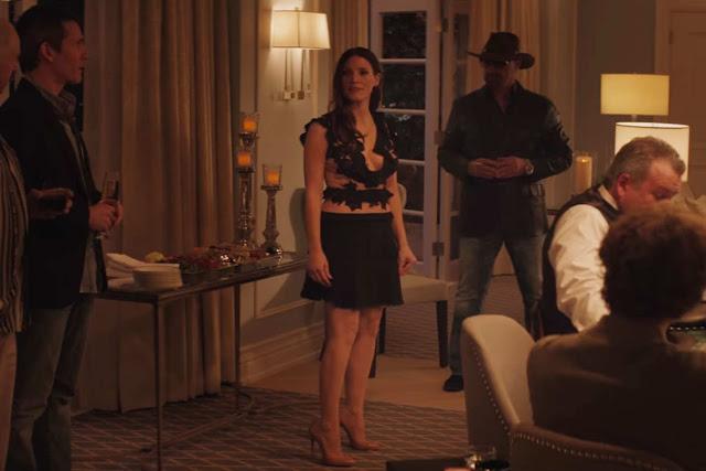 Molly Bloom (Jessica Chastain) en organisatrice de tournois de poker clandestins dans Le Grand Jeu