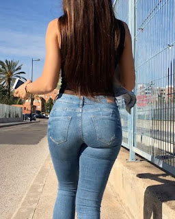 Beautiful ass Hottie booty Very sexy