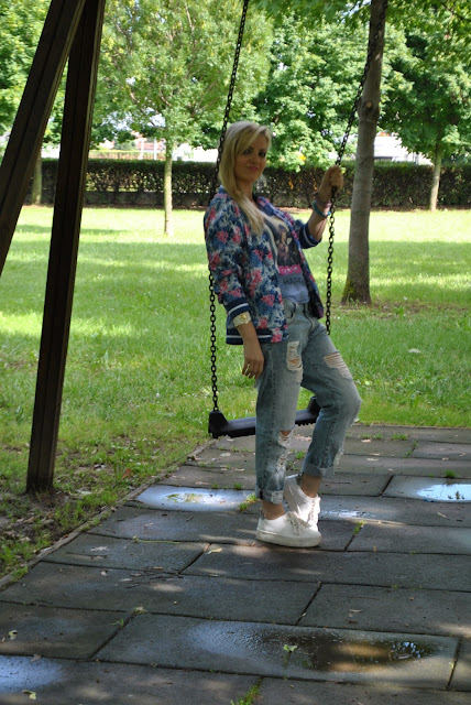 outfit jeans boyfriend ripped come abbinare i jeans boyfriend abbinamenti jeans boyfriend how to wear boyfriend ripped jeans outfit giugno 2016 outfit casual outfit sporty mariafelicia magno colorblock by felym fashion blog italiani fashion blogger italiane blogger italiane di moda