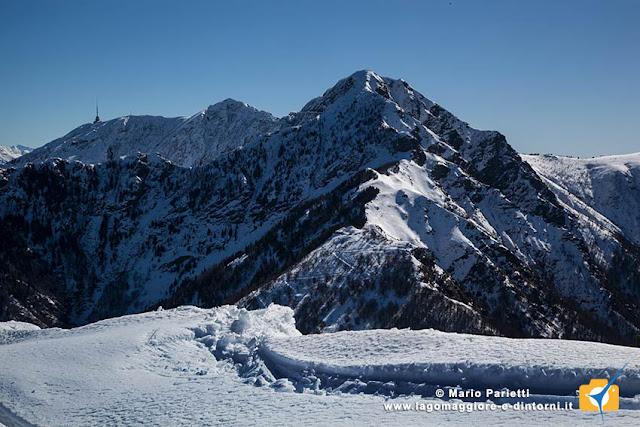 Il monte Tamaro dalla dorsale del monte Gambarogno