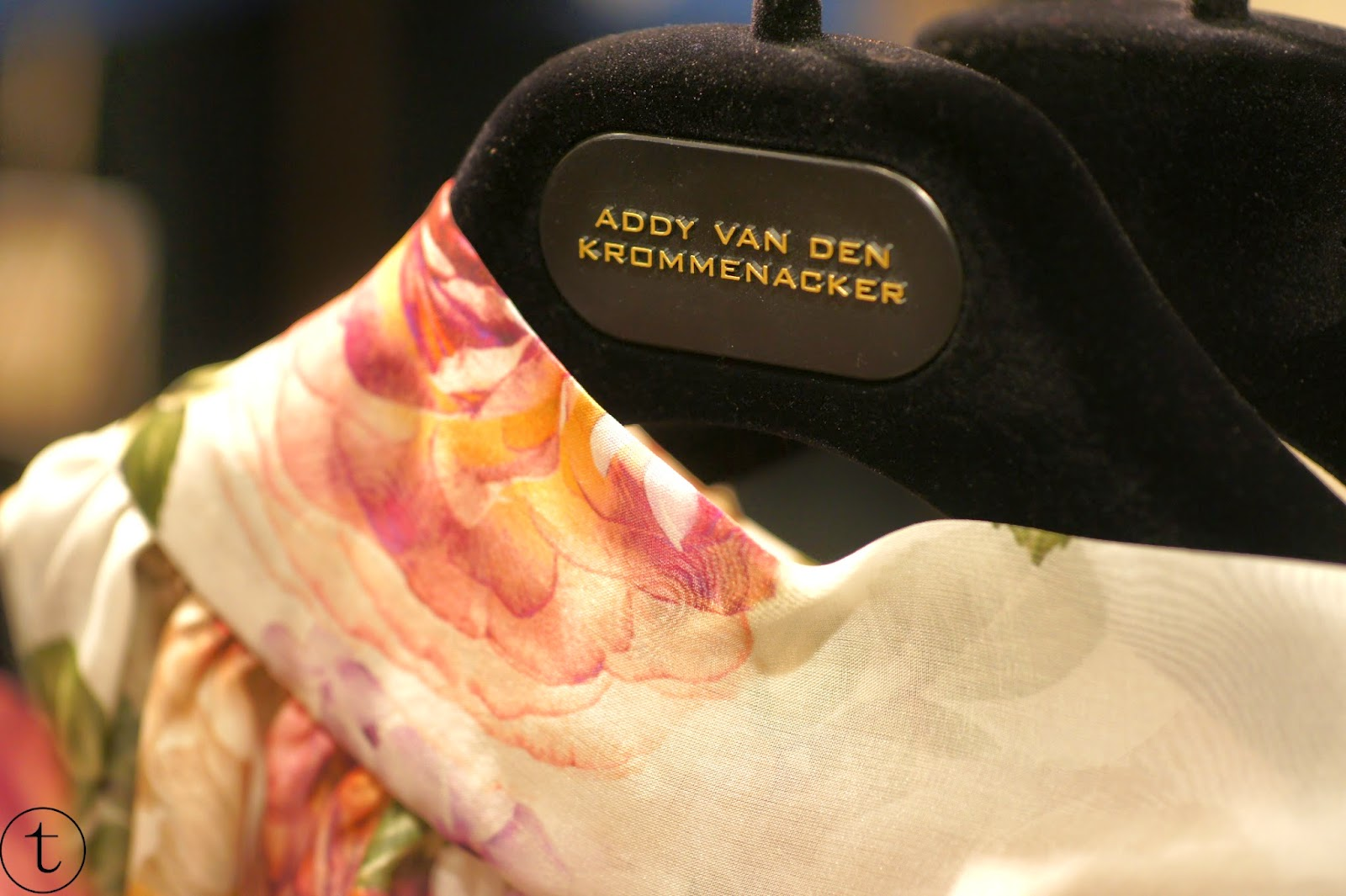 addy van den krommenacker floral collection