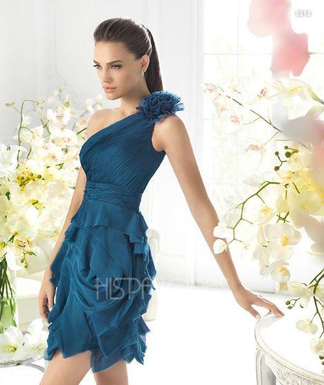 Todas nosotras queremos lucir siempre a la moda sin importar si estamos subiditas de peso, los diseñadores se han interesado por diseñar vestidos que complazcan nuestras expectativas para los gustos más exigentes.