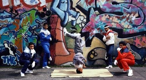 A dança e a alegria no rap e no hip hop é o começo de tudo, é uma herança jamaicana/africana, e tem que ser respeitada