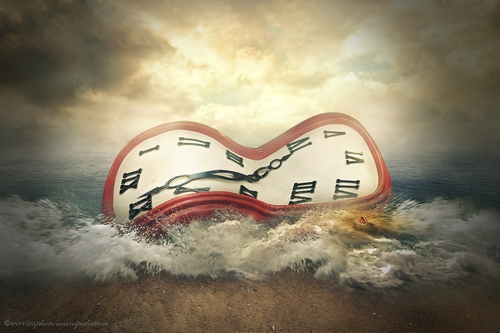 20-The-Clock-Even-Liu-Surreal-Photo-Manipulations-and-the-Lantern-www-designstack-co