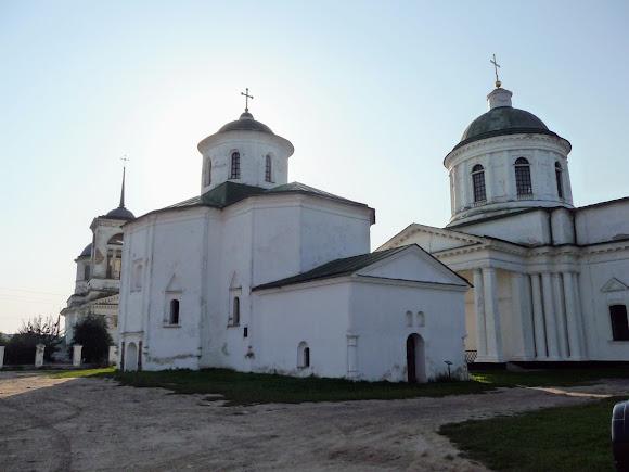 Нежин. Церковь Святой Троицы, Михайловская церковь и церковь Всех святых