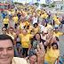 Prefeito Alex Robevan de Santa Maria do Cambucá Arrasta multidão em Caminhada na Feira