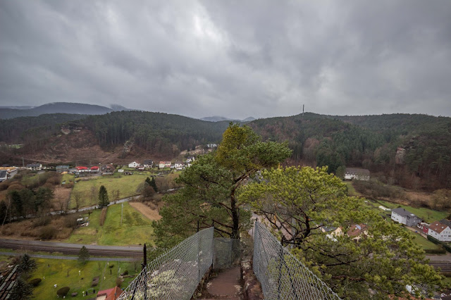 Felsenland Dahn  Wanderung Burgruine Altdahn – Jungfernsprung 11