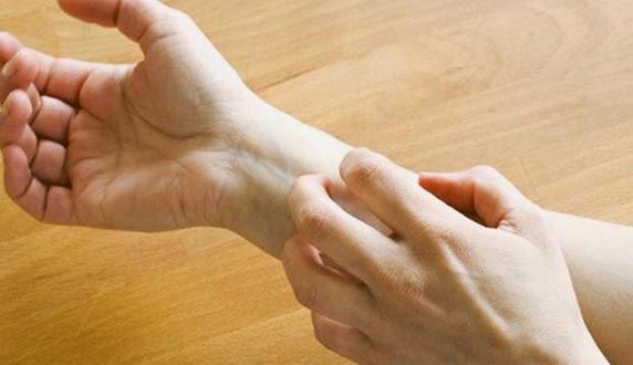 benda yang boleh merosakkan kulit