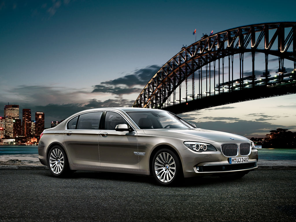 The BMW 7 Series Sedan Wallpapers For PC