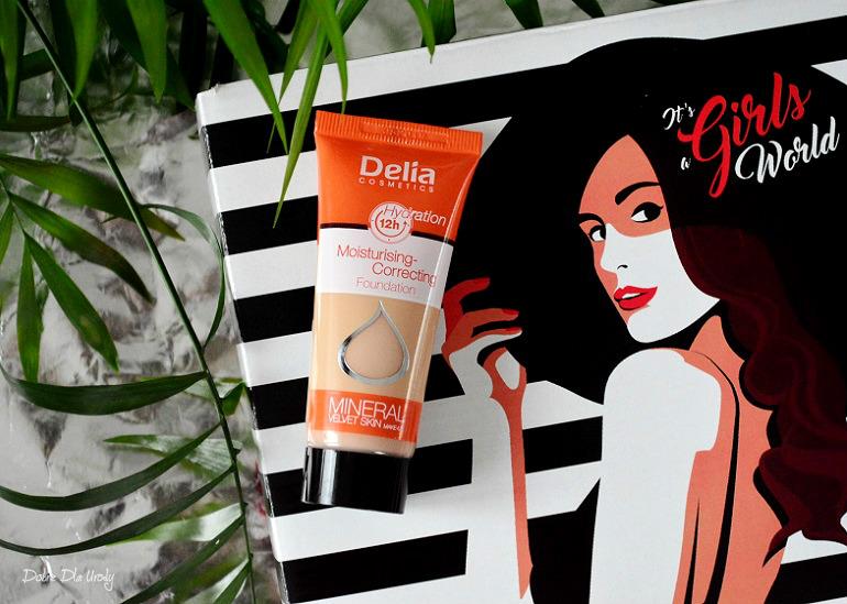 ShinyBox It's a Girls World - Delia Podkład Nawilżająco - korygujący Mineral Velvet Skin