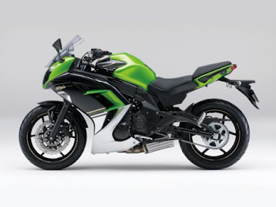 Kawasaki Ninja 400R green color side view
