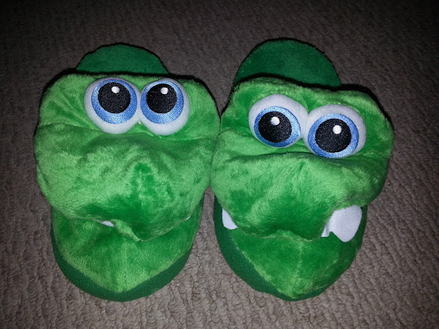 Hope' Cafe Sgsg-stompeez Slippers And Giveaway