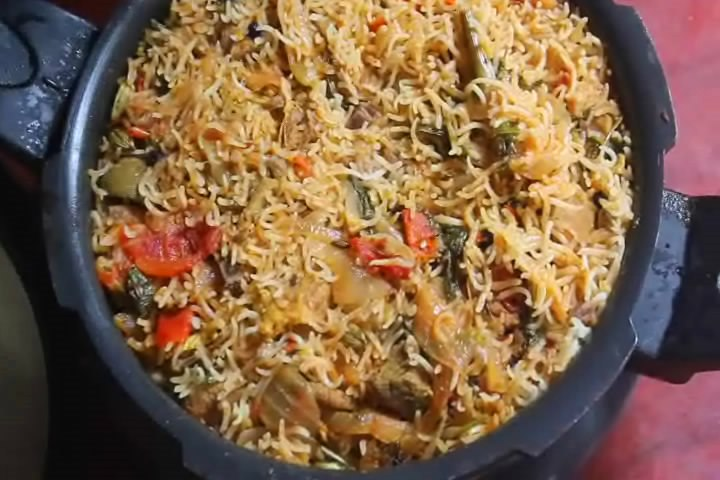 Pressure cooker mutton biryani recipe video recipe yummy tummy pressure cooker mutton biryani recipe video recipe forumfinder