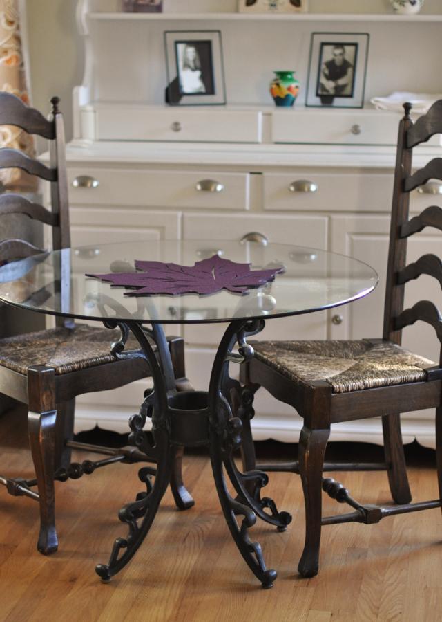 Family Thanksgiving, fancy kids table