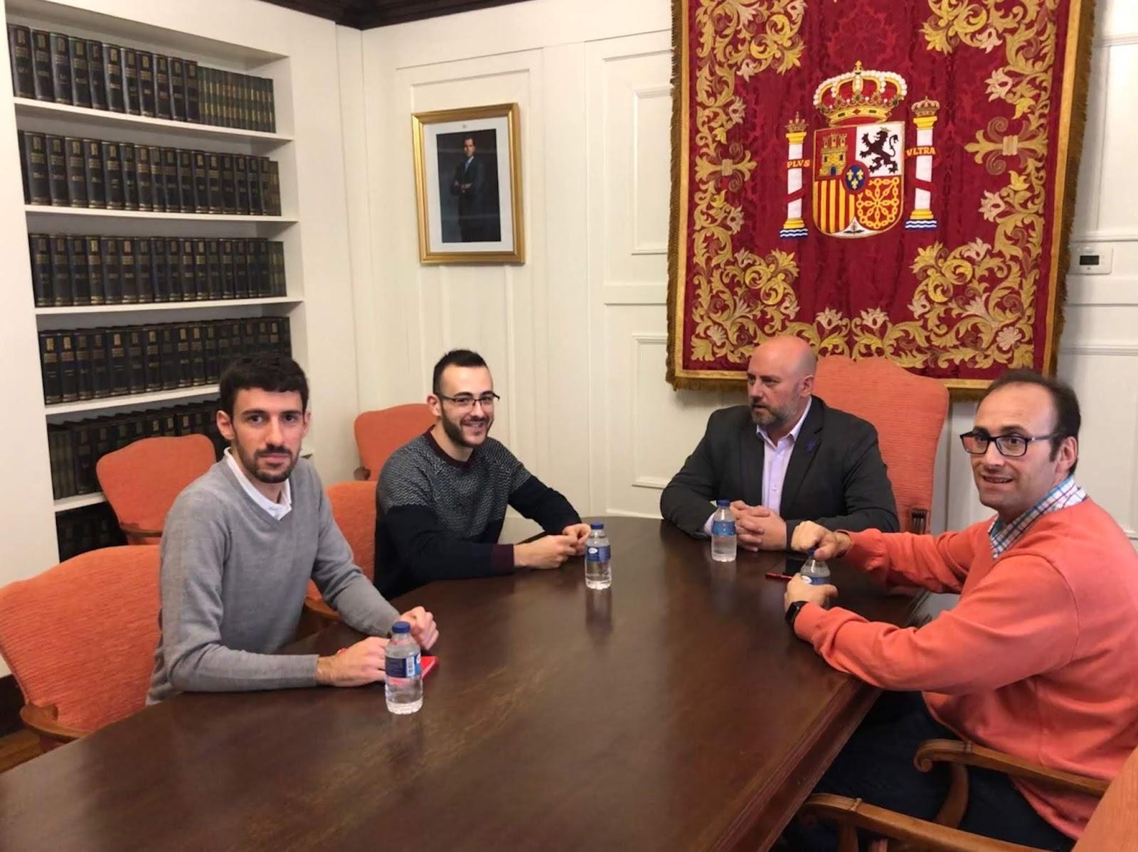 El PSN de Estella se reúne con Delegación de Gobierno para solicitar más días para DNI