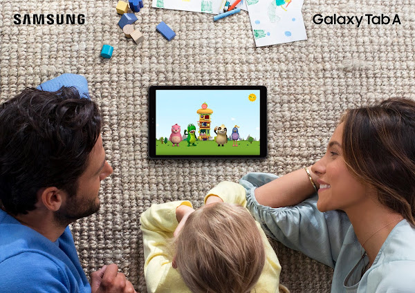 Samsung Galaxy Tab A with family (2)