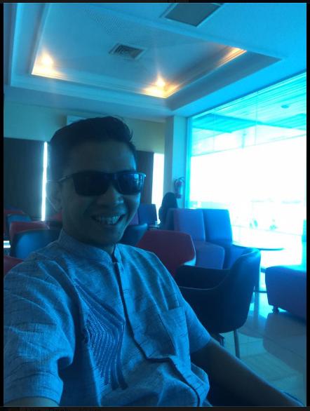 Tips Nyaman Traveling Sendirian Naik Pesawat ala Adryan fitra