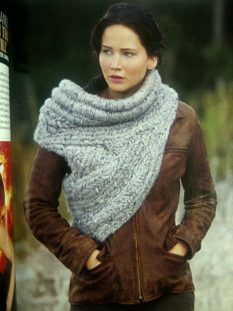 Life and Yarn or Yarn and Life: Katniss Cowl/Vest