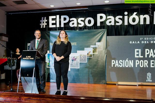 El Ayuntamiento de El Paso desmiente las acusaciones del Partido Popular y aclara que los actos institucionales en el municipio ya se celebran con intérprete de Lengua de Signos