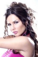 حياة المغنية اللبنانية نيكول سابا Nicole Saba