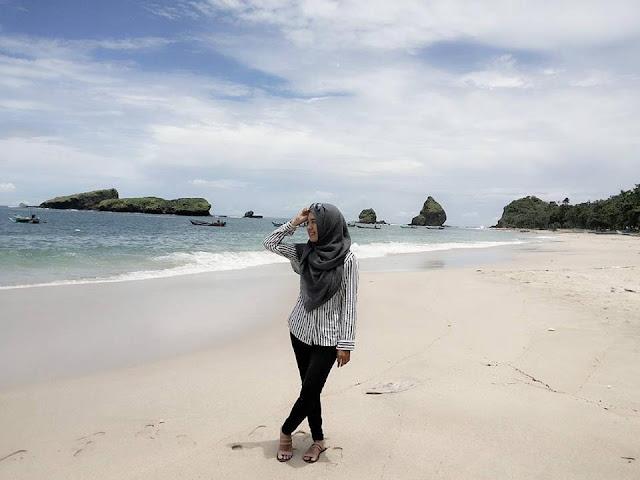 Permalink to 3 Destinasi wisata Pantai Yang Asyik di Jember – Explore Jember