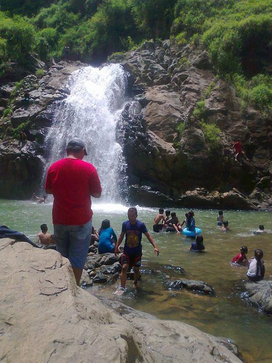 Air terjun alami di Trenggalek