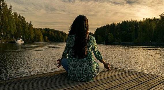 5 Aplikasi Android Terbaik Untuk Meditasi dan Relaksasi