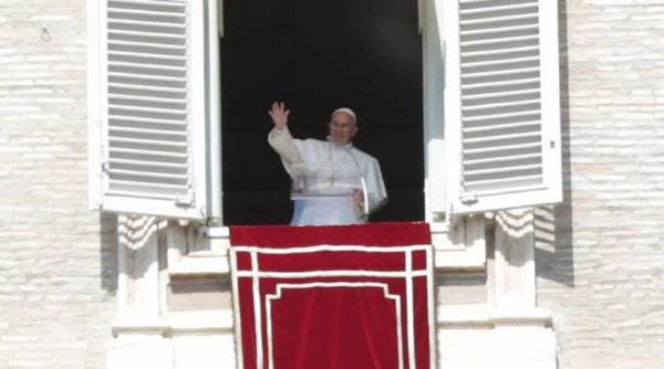 Papa llama a rechazar el éxito y la riqueza a toda costa