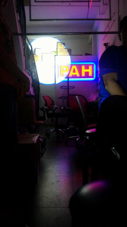 đèn follow chiếu màu