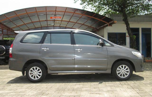 Rental Mobil Toyota Innova 2012