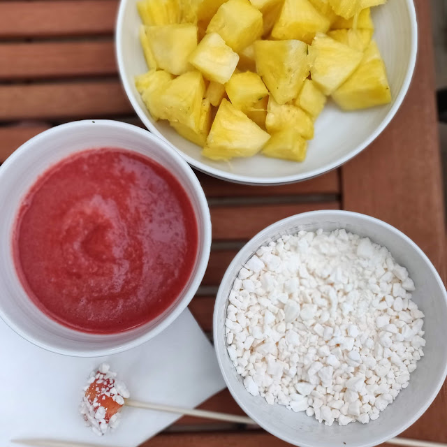 pineapple, meringue and strawberry coulis dessert #recipe
