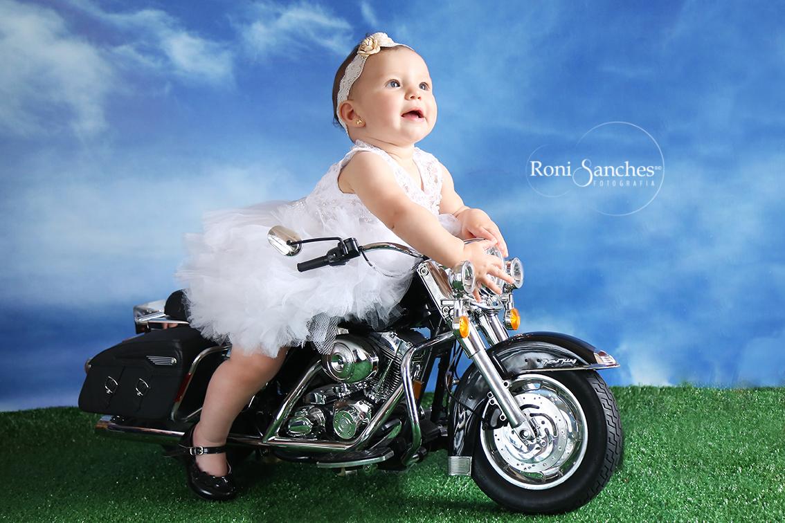 bebê na moto