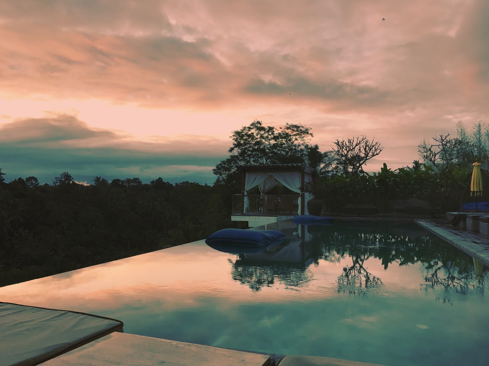Goya Boutique Hotel, Ubud Sunset in Bali