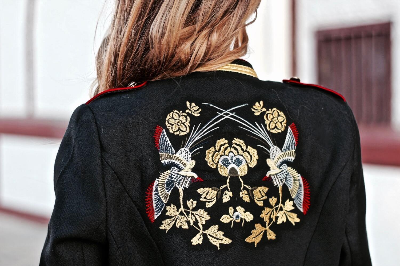 chaqueta bordado espalda zara