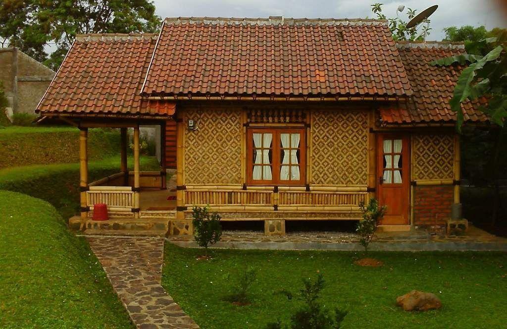 Contoh Rumah Anyaman Bambu Inspiratif