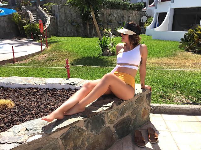 High- Leg-One- Shoulder -Two-Tone- Bikini- Rosegal