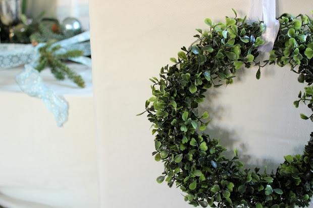 Faux Boxwood Mini Wreath Tutorial