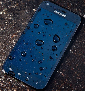 Ways to Protect Your Smartphone From Water Damage