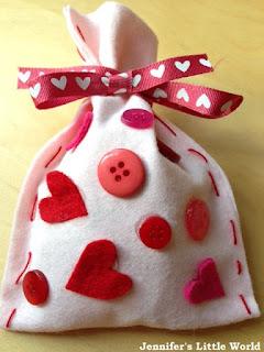 Valentine's Day felt gift bags