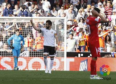 Crónica Valencia CF 2 Sevilla FC 1